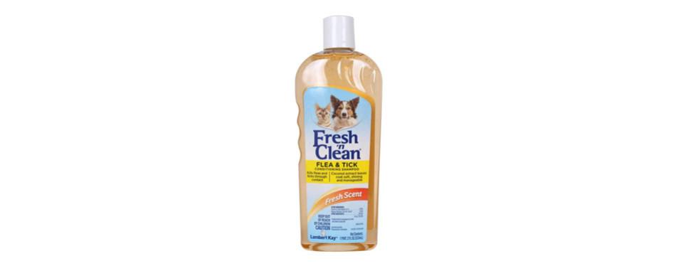Lambert Kay Flea and Tick Conditioning Shampoo for Cats