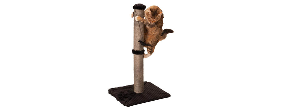 max and marlow sisal cat scratching post